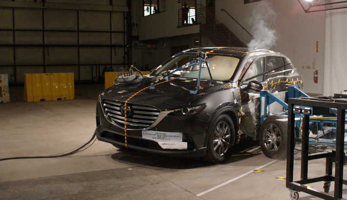 NCAP 2019 Mazda CX-9 side crash test photo