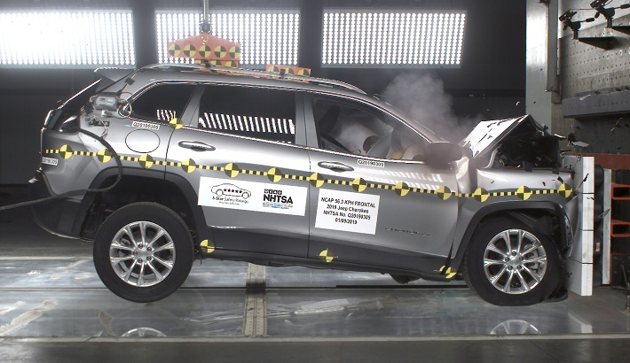 NCAP 2019 Jeep Cherokee front crash test photo